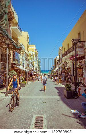 Crete Heraklion August 25: Unidentified People Shopping