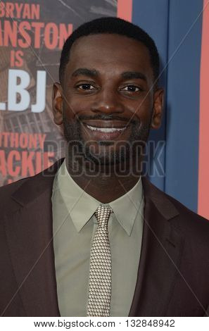 LOS ANGELES - MAY 10:  Mo McRae at the All The Way LA Premeire Screening at the Paramount Studios on May 10, 2016 in Los Angeles, CA