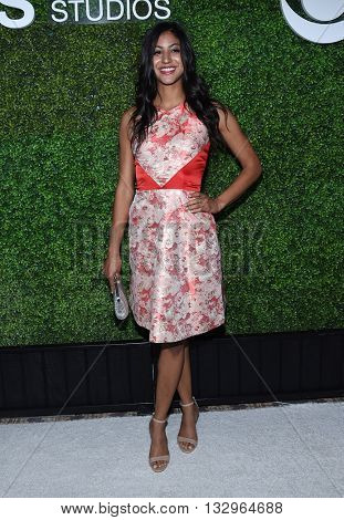 LOS ANGELES - JUN 02:  Vella Lovell arrives to the 2016 CBS Summer Soiree  on June 02, 2016 in Hollywood, CA.