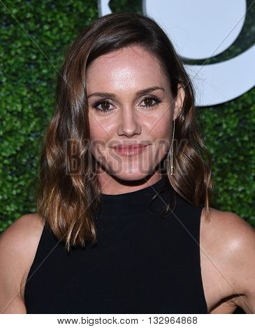 LOS ANGELES - JUN 02:  Erin Hayes arrives to the 2016 CBS Summer Soiree  on June 02, 2016 in Hollywood, CA.