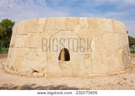 The Great Hili Tombi In Hili Archaeological Park, A Bronze Age Site In Al Ain, Emirate Of Abu Dhabi,