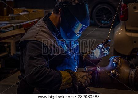 Welder At Orbital Welding Machine Closer Look