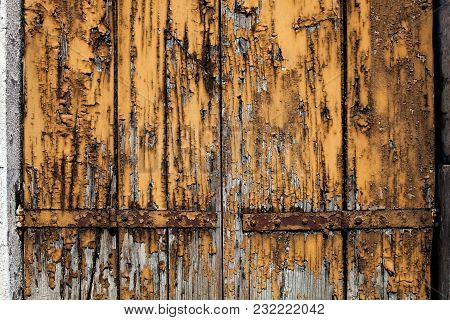 Old Grunge Worn Wooden Board With Cracked And Peeled Brown Yellow Paint. Wallpapers Horizontal Backg