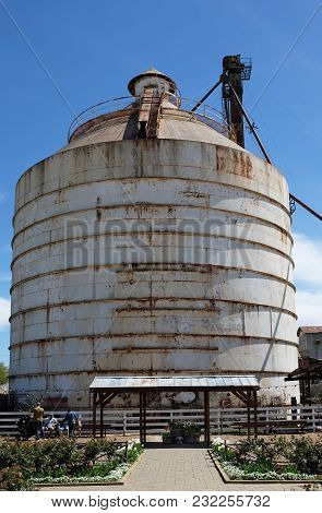 Waco, Texas - March 19, 2018: Silo Seen From The Seed Shed At Magnolia Market . The Shop Is Owned By