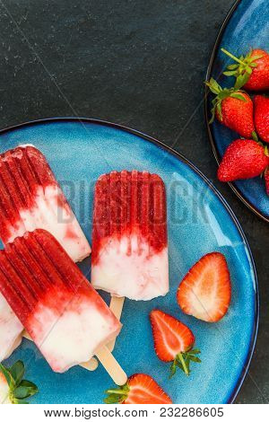 Strawberry Popsicle With Strawberry Juice