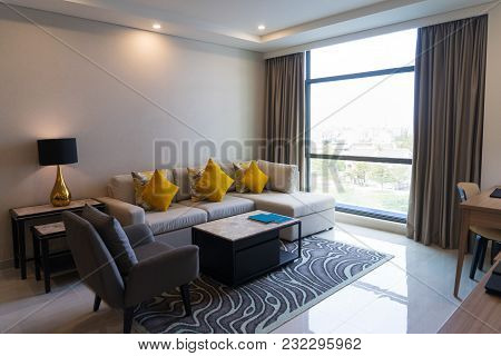 Creative Interior Design With Mixing Luxurious And Contemporary Styles. Modern Living Room With Sofa