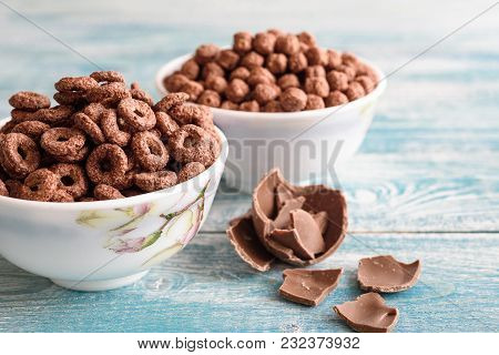 Corn Chocolate Balls. Delicious Breakfast. Dessert.. Marco