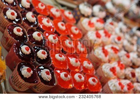 Street Desserts, Tasty, Thai Cakes, Finger Food.