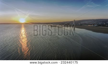 Editorial Swansea, Uk - February 24, 2018: Sunset Over The Expanse Of Swansea Bay And Swansea City,