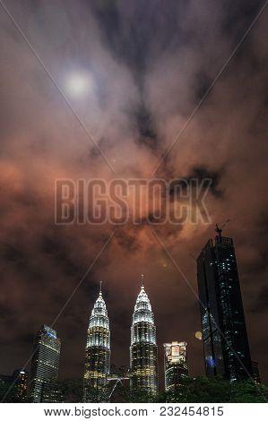 Kuala Lumpur By Night. The Most Beautiful Skyline Over The Twin Petronas Towers