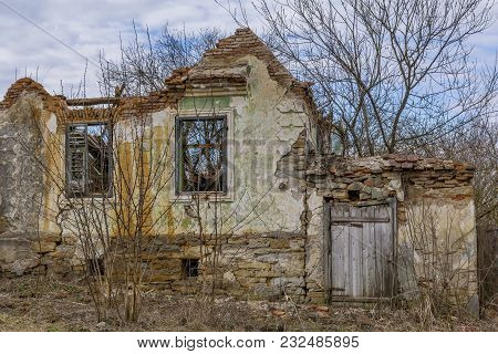 Abandoned House In Saxon Villages From Transylvania. Medieval Ruined Saxon Village In Transylvania R