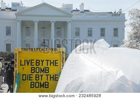 April 2, 2015: Whit House, Washington Dc Us-protesting Nuclear Weapons In Front Of The White House I