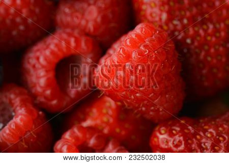Raspberry and strawberry close ups