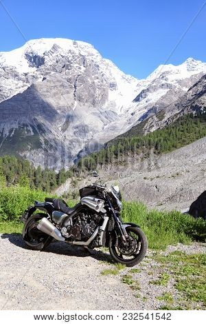 Stelvio Pass, Italy - June 24, 2016: Beautiful Motorcycle Yamaha Vmax Parked At The Road To Stelvio