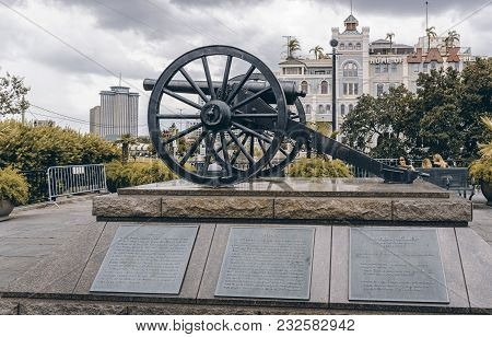 New Orleans, Usa - Aug 20, 2017: One Of The Four Original Parrott Rifle (model 1861) Cannons On Publ