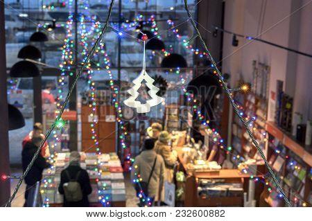 Beautifully Decorated With Lights Bookstore. Kogtseutsiya Education And Interesting Spending Time. B