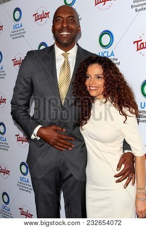 LOS ANGELES - FEB 22:  John Salley, Natasha Duffy at the UCLA's 2018 Institute Of The Environment And Sustainability (IoES) Gala at the Private Estate on February 22, 2018 in Beverly Hills, CA