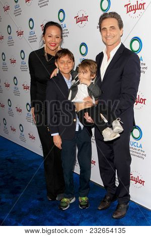 LOS ANGELES - FEB 22:  Lawrence Bender, family at the UCLA's 2018 Institute Of The Environment And Sustainability (IoES) Gala at the Private Estate on February 22, 2018 in Beverly Hills, CA