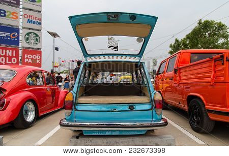 Nonthaburi, Thailand - March 10, 2018: Vw Type 3 Squareback Open Rear Show In Volkswagen Club Meetin