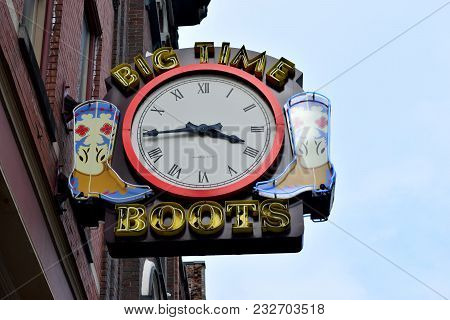 Nashville, Tennessee, Usa - March 19, 2018: Big Time Boots Store Neon Sign At Lower Broadway Area Ad