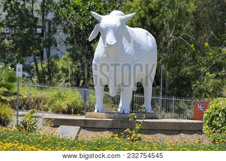 Rockhampton, Queensland, Australia - December 29, 2017. Statue Of Australian Brahman Bull, On The Me
