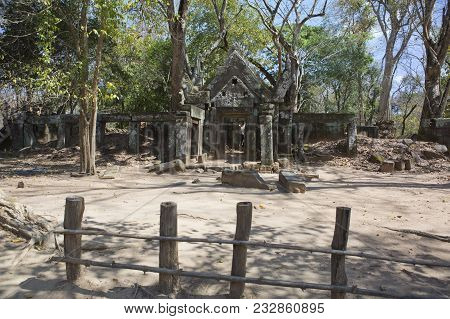 Prasat Krachap (Prasat Kra Chap) ruin, Koh Ker temple complex, Cambodia