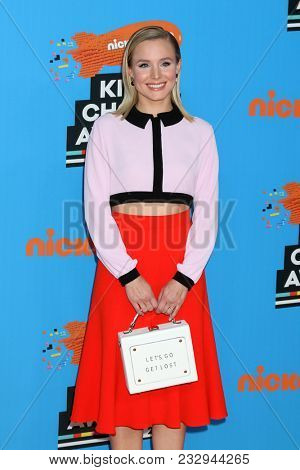 LOS ANGELES - MAR 24:  Kristen Bell at the 2018 Kid's Choice Awards at Forum on March 24, 2018 in Inglewood, CA