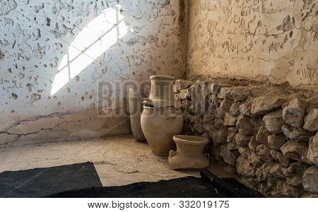Rosh Haayin, Israel, October 31, 2019 : Clay Jugs In The Reconstructed Building Of The Byzantine Era