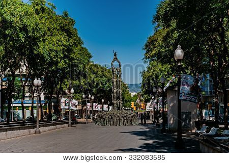 Tarragona, Spain-august 9, 2013: Monument Of The Castellers On Rambla Nova, Catalonia.