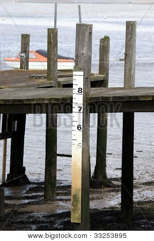 tidal water level marker