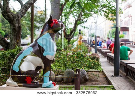 Cali, Colombia - October, 2019: One Of The Group Of Statues Of Cats Located At The River Boulevard I
