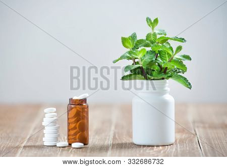 Comparison Of Tablets Of Modern Medicine With Medicinal Plants Of Traditional Medicine. An Alternati