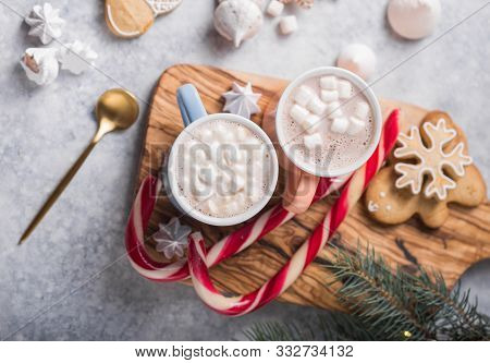 Christmas Holiday Cacao Drink. Hot Chocolate Cacao Drinks With Marshmallows In Christmas Color Mugs