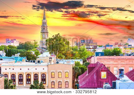 Charleston, South Carolina, USA town skyline at dusk.
