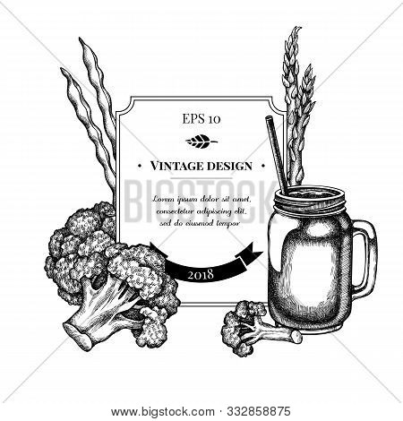 Badge Design With Black And White Broccoli, Green Beans, Smothie Jars Stock Illustration