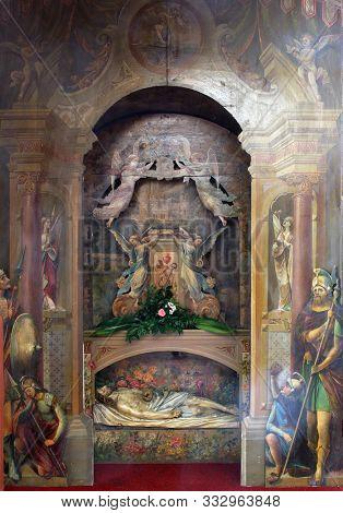 IVANIC GRAD, CROATIA - SEPTEMBER 25, 2011: Jesus in the tomb, church of the Saint Peter in Ivanic Grad, Croatia