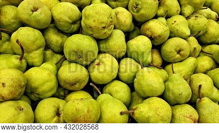 Group Of Green Pears, Close-up Green Pears Texture, Many Green Pears In A Group, Green Pears Pile On