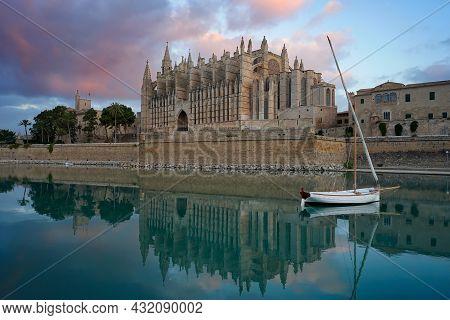 The Cathedral Of Santa Maria Of Palma, La Seu