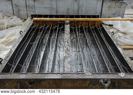 Loaded Metal Mold With Reinforcing Mesh Frames For The Production Of Reinforced Concrete Lintels, Re