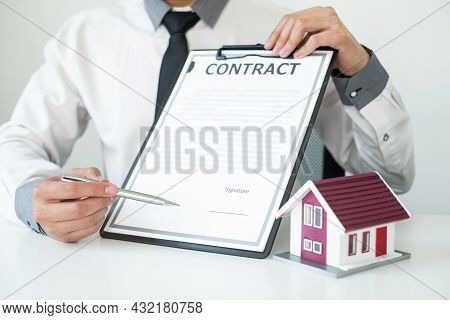 Agents Working In Real Estate Investment Hold The Key Home Ready Home Insurance Signing Contracts In