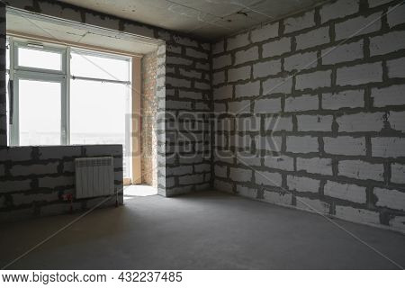 New Apartment Without Renovation. Room Without Finishing. New Project New House