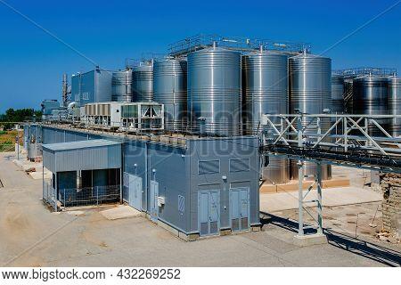 Modern Winery. Stainless Steel Barrels For Wine Fermentation.