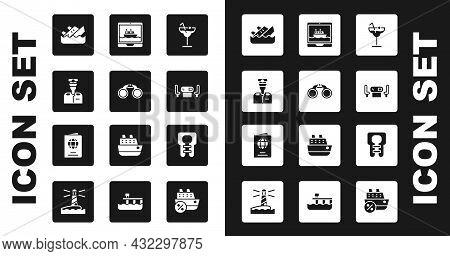 Set Cocktail, Binoculars, Captain Of Ship, Sinking Cruise, Poker Table, Cruise, Life Jacket And Pass