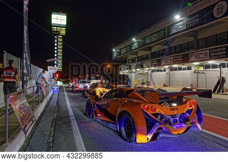 Barcelona, Spain, September 3, 2021 : Night In The Pitlane Of 24hours Series Barcelona Race. 24h Ser