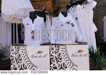 Bordeaux , Aquitaine  France - 09 05 2021 : Blanc Du Nil Logo Brand And Text Sign Front Of Boutique