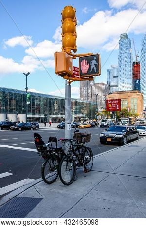 NEW YORK CITY-OCTOBER 30, 2014: New York city architecture near Javits center