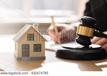 Divorce Property Law And House Foreclosure And Bankruptcy