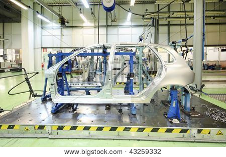 TOGLIATTI - SEPTEMBER 30: Equipment for accurate measurement of car bodies at Avtovaz factory on September 30, 2011 in Togliatti, Russia. V.Putin signed decree awarding state awards to AvtoVAZ.