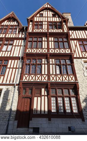 Amazing House In Moret-sur-loing. Moret-sur-loing Is A Commune In Seine-et-marne Department In The I