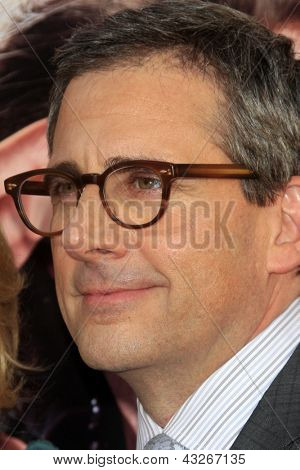 LOS ANGELES - MAR 11:  Steve Carell arrives at the World Premiere of